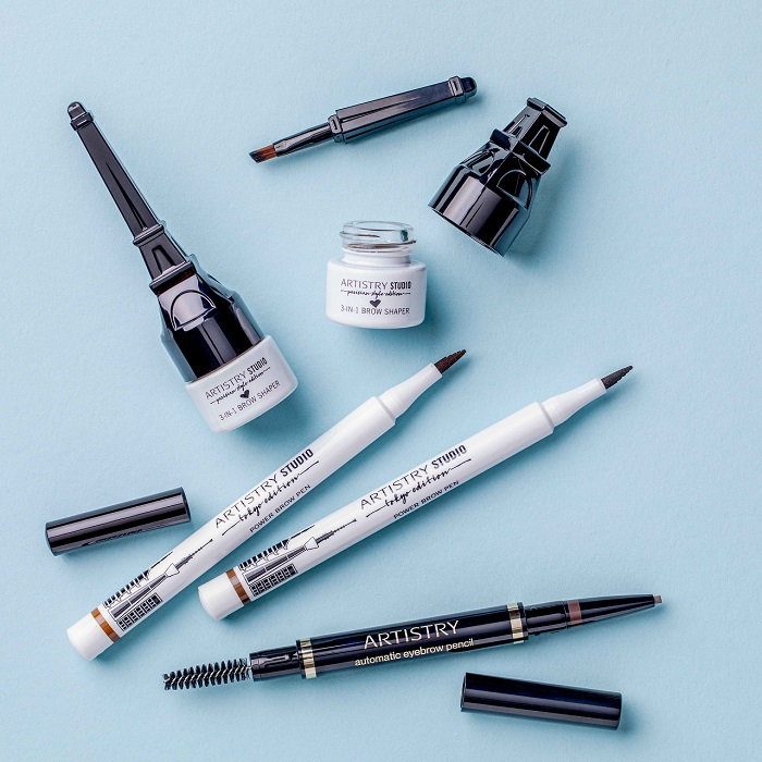 A collection of products for eyes and eyebrows from the Artistry Studio collection.